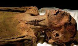 il  mistero   della  mummia urlante