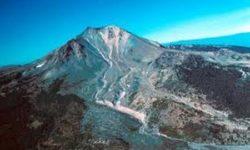 Lassen Peak  uno dei più grandi vulcani a cupola al mondo